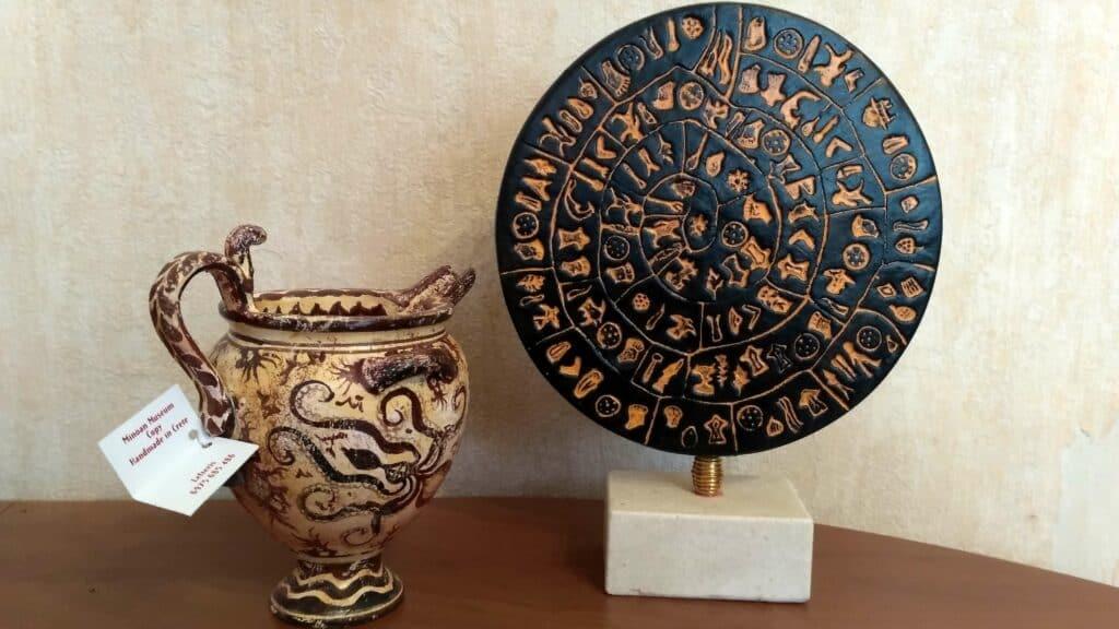 ceramika przywieziona z Krety